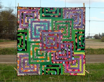 Patchwork Table Topper, Quilted Wall Hanging, Labyrinth