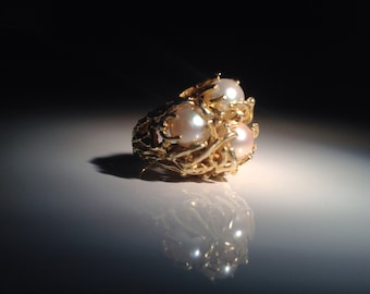 1970s 18 KT Gold Pearl Coral Cluster Cocktail Ring 15.6 grams 750 Aquatic Marine
