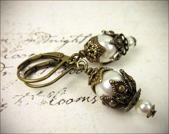 Cream Pearl Earrings, Tudor Jewelry, Medieval Renaissance Bridal Earrings, Renaissance Costume, Victorian Earrings, SCA,  Rhiannon