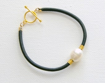 Freshwater Pearl Leather Bracelet. 3mm Black Leather. White Pearl. 14K Yellow Gold Fill