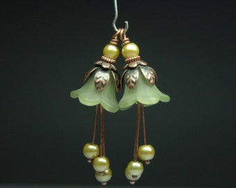 Vintage Style Bead Earring Dangles Light Green Lucite Flowers Pair G44