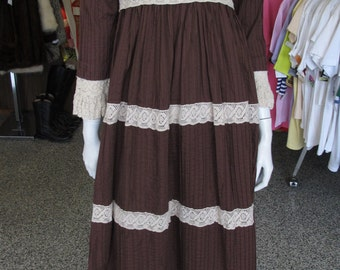 Vintage 60s-70s chocolate brown pintuck Mexican dress sz 4