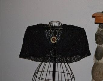 Victorian Black Lace Capelet, Wedding Shawl, Bridal Wrap, Bridal Cape Steampunk Goth Look