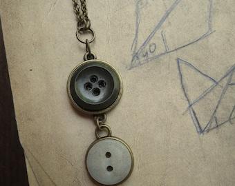 Stunning Vintage Button Necklace - Evergreen