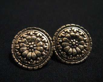 Vintage Round Antiqued Gold Tone Floral Flower Pierced Earrings