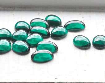 12 Vintage 1950's Green Lucite Cabochons // 50's Craft Supply Cabochons Forest Green // Oval // 11 x 16mm