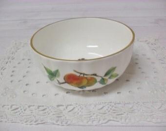 Vintage Royal Worcester Small Bowl Arden Pattern Bone China Fruit Design Trimmed in Gold