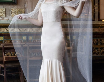 Ivory Wedding veil with lace - Mantilla Bridal Veil - Agnes Hart - UK