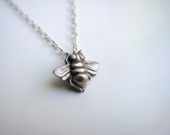 Honey bee necklace silvery white bronze