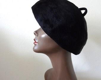 1950s Cecile Original Hat  designer vintage avant garde black beret