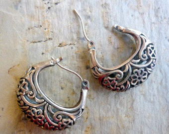Sterling Silver Earrings, Silver Filigree Hoops, Flowers Hoops Earrings, Silver Filigree Earrings, Hook Hoops Silver Earrings, Silver Hoops.