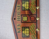 Family Key House - Multi Key Organizer - Vintage Ozark Souvenir Kitsch