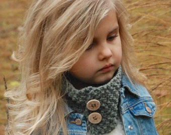 KNITTING PATTERN-Parisian Cowl (Toddler, Child, and Adult sizes)