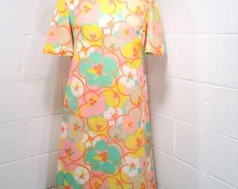 Vintage Psychedelic Shift Dress 1960s Mod Medium Large