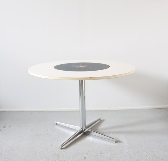 1950s American Mid Century Modern Small Round Top: Mid Century Retro Petite Round Dining Table / Kitchenette