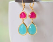 Jewel Dangle Earrings with Turquoise Teal Teardrop and Fuchsia Jewels in Gold. Long Dangle Earrings. Statement Earrings. Modern Jewelry.