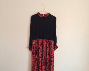 1970s Retro Hippie Psychedelic Floral Paisley Maxi Dress