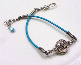 Handmade artisan friendship bracelet sterling silver turquoise genuine leather Bali silver jewelry