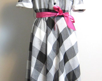 1970s black and white check day dress - size xl - Leslie Fay for Lord & Taylor - vintage short sleeve dress