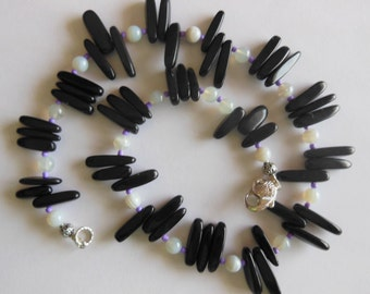 Black and grey Agate handmade necklace 677