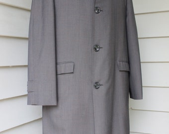 vintage 1960's -Curlee Clothes 'Fairhaven'- Men's All Weather Raincoat. Brown Blue plaid. Like 'NeW'. Finshed like a suit coat. Size 42