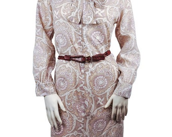Size 10 / Medium to Large Women's Vintage Beautiful Lavender, Cream, and White Print Long Sleeve Dress with Bowtie Neckline