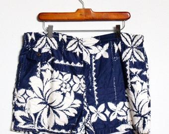 Floral Print Swimming Trunks Shorts Mens Large 36 Jams Swim Navy Blue White Beach Hawaii Hawaiian