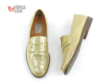 80s Patent Leather Cream Loafers | Minimalist Loafers 80s Shoes Penny Loafers | size 5.5