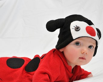 ON SALE: Size 0-3m Ladybird / Ladybug / Lady Beetle Baby Onesie Costume with Hat - Lil' Creatures
