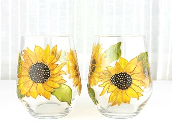 Wine Glasses, Sunflowers Design, Hand Painted Glasses, Wedding Glasses, Set of 2, Stemless Sunflower Wine Glasses, Ready to ship