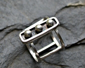 """Sterling silver modern ring. Size 6 hand forged Silver ring """"Captivity"""""""
