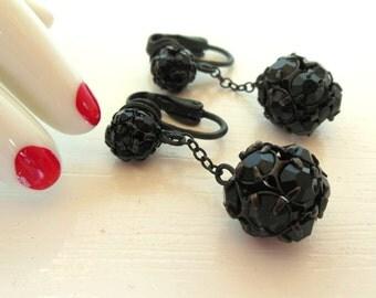 Vintage Clip Earrings Japanned Black Rhinestone Dangle 50's (item 234)