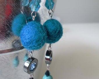 Boucles d'oreilles turquoise en acier inoxydable (hypoallergique) / Peacock stainless steel earrings (Hypoallergic)