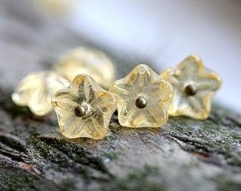 Amber Yellow Flower beads, czech glass bell caps, Light Amber beads - 10mm - 20Pc - 1237