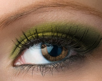 "Golden Forest Green Eyeshadow - ""Huntress"" - Vegan Mineral Eyeshadow Net Wt 2g Mineral Makeup Eye Color Pigment"