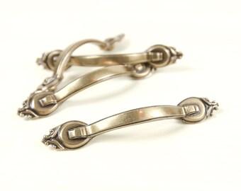 Vintage Brass Curved Drawer, Cabinet handles w/ ornate de fleur ends (set of 4)