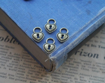 12 pcs Antique Bronze Heart Lock 17mm (BC989)