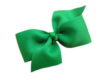 Two loop green hair bow - green bow, girls hair bows, girls bows, green hair bows, toddler bows, 4 inch bows, hair clips