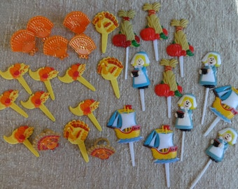 Thanksgiving Day Cake Decorations, 28 Cupcake Picks, Cupcake Toppers, Turkeys Haystacks Pilgrim Girls Cornucopias Party Favors, Fall Decor