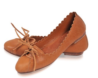 ENDLESS LOVE. Pointy flats / womens shoes / leather shoes / leather ballet flats / leather loafers. Available in different leather colors.