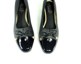 Black Cap Toe Formal Pumps 9 - Patent Bow Top Low Heels 9