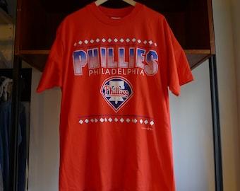 Vintage PHILADELPHIA PHILLIES Shirt 1993 - Hanes Heavyweight tag made in usa 100% cotton - vtg outdoor athletic sports mlb baseball