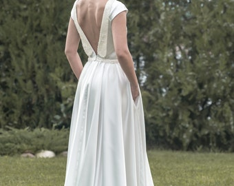 Sofia -> MADE TO ORDER / Wedding dress in satin and sequins. Romantic bridal gown with pockets and sleeves