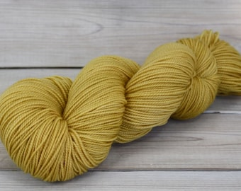 Celeste - Hand Dyed Superwash Merino Fingering Sock Yarn - Colorway: Honeycomb