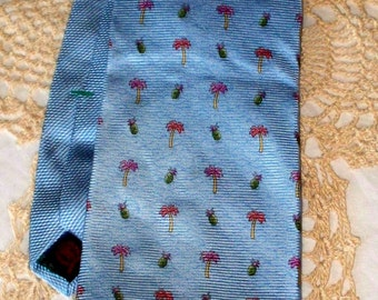 Vintage Tommy Hilfiger Men's Tie  - 100% Silk - Made in USA - Printed in Italy