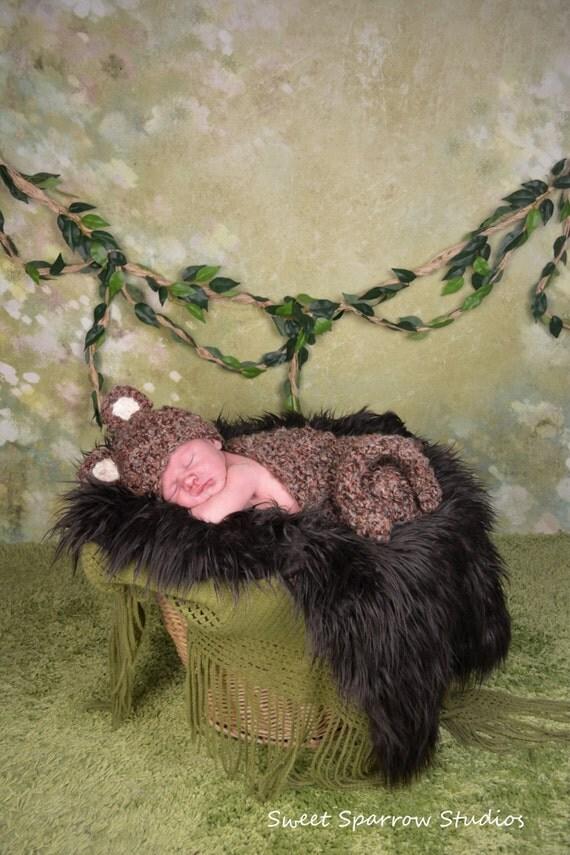 Cuddly Monkey Photography Prop Set - Newborn