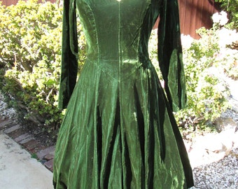 "Beautiful Vintage 1970's Bottle Green Velvet Party Dress ""The Last Dance"""