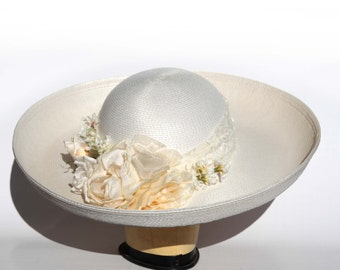 Vintage 80s CAPELLI Floral High Quality Straw Hat Creation Pale White Green Roses Soft Wide Lace Band CAPELLI Miami Florida