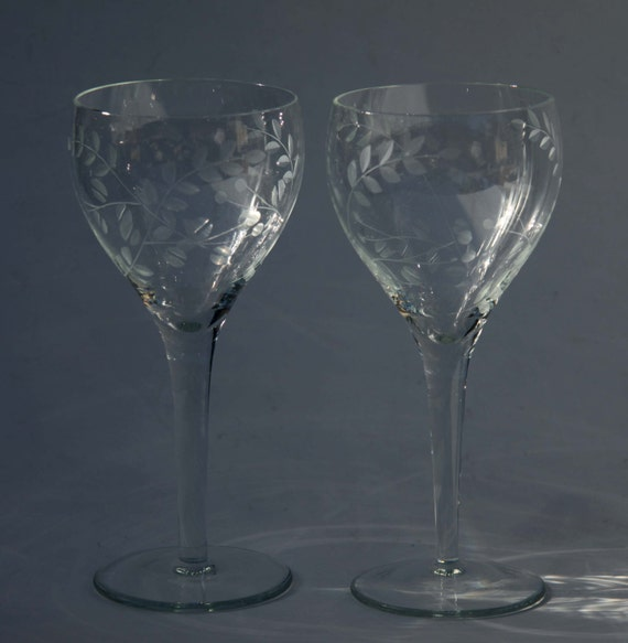 Crystal Wine Glasses Hand Carved Etched Leaf Patterns In Art