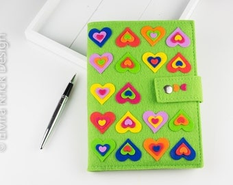 Green notebook cover, refillable journal cover, book cover wrap, notebook included, handmade polymer hearts, Dutch Design